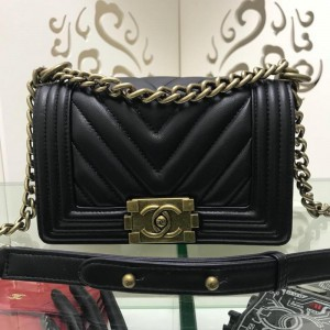 Chanel Small BOY CHANEL Handbag CH120V-Black